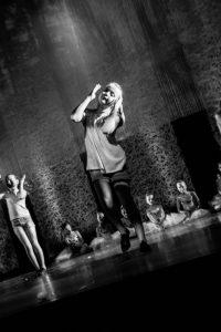 spectacle-de-danses_34087997634_o[1]