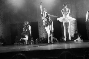 spectacle-de-danses_34544208040_o[1]