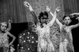 spectacle-de-danses_34767097542_o[1]