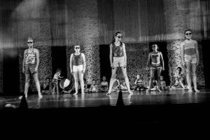 spectacle-de-danses_34767180892_o[1]