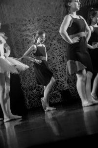 spectacle-de-danses_34767273772_o[1]