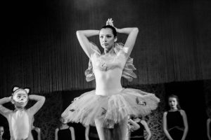 spectacle-de-danses_34767292092_o[1]