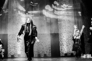 spectacle-de-danses_34799347611_o[1]