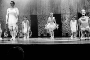 spectacle-de-danses_34799369511_o[1]