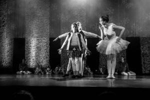 spectacle-de-danses_34799424741_o[1]