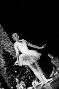 spectacle-de-danses_34931410055_o[1]